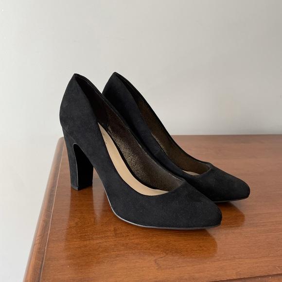 Fergie Black Suede Sydney Heels